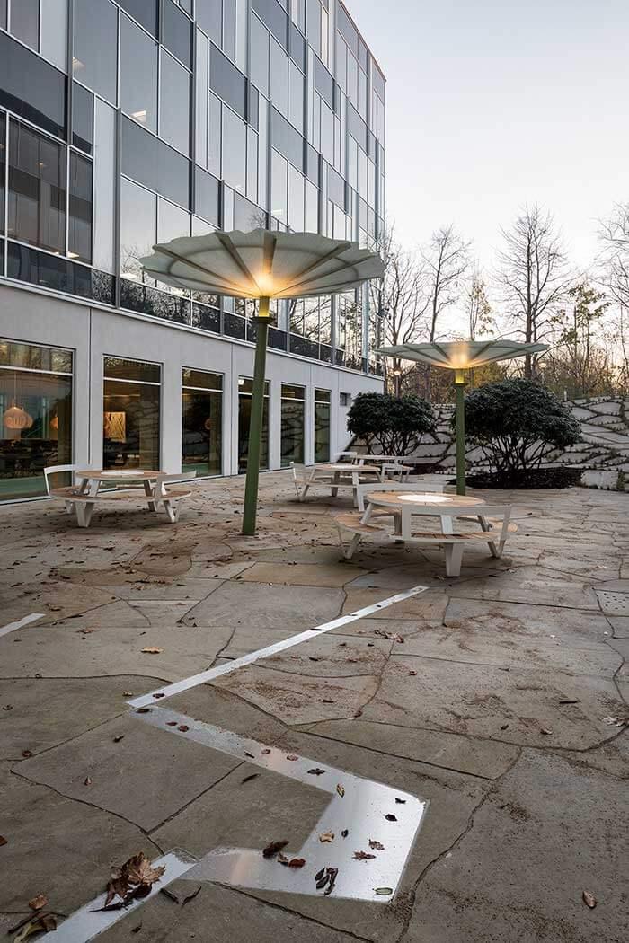 Signe Guttormsen, Gårdrum belægning sandsten og stål